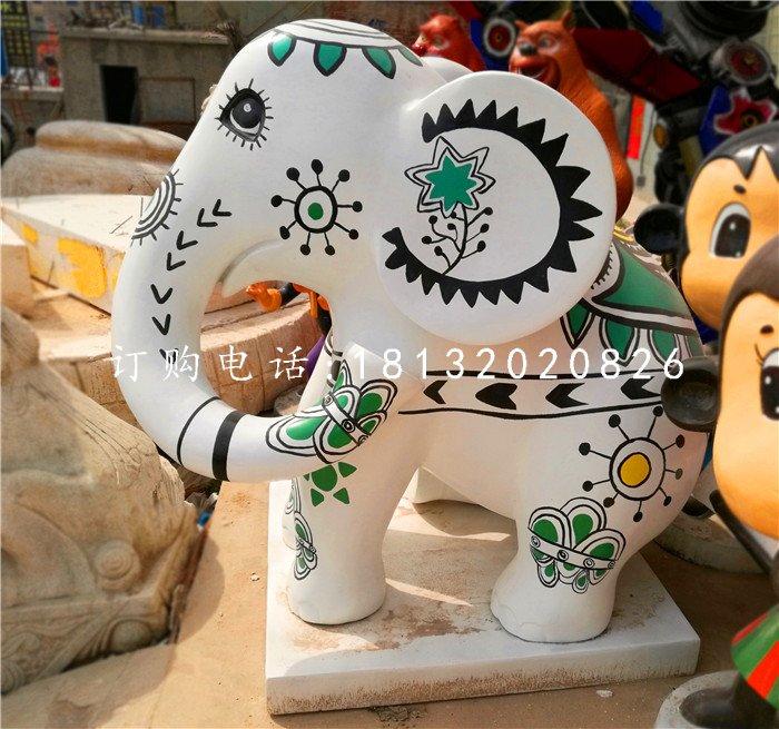 彩绘小象雕塑,商场景观