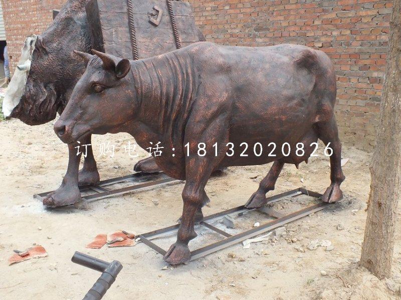铸铜奶牛雕塑公园动物铜雕