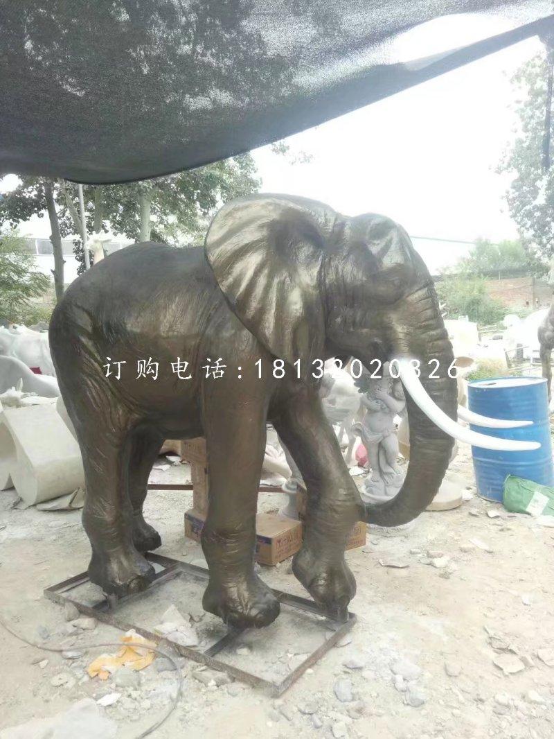 玻璃钢仿铜大象雕塑,动物