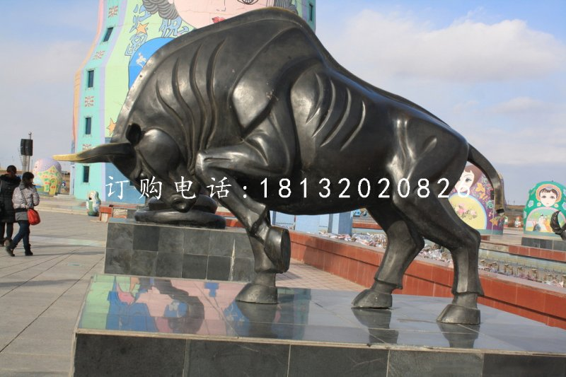 奔牛铜雕广场铜牛动物雕塑