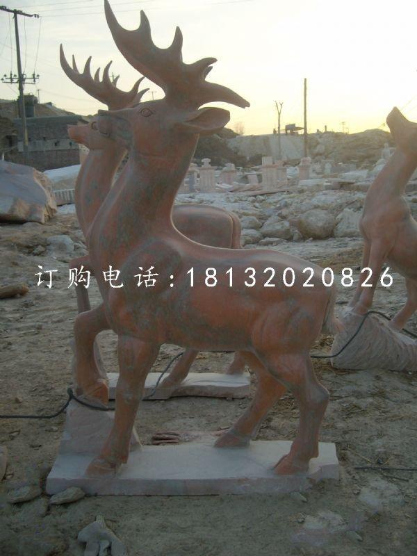 公园小鹿雕塑晚霞红动物石雕