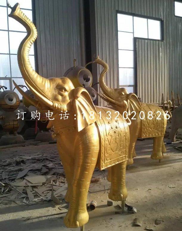 象鼻向上的大象铜雕,广场大象铜雕