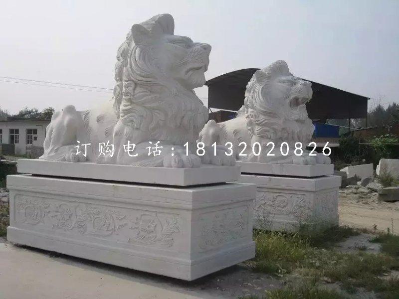 汉白玉西洋狮石雕,趴着的狮子石雕