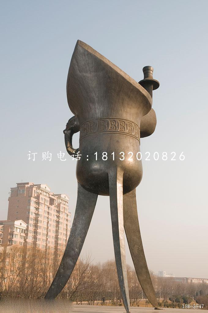 不锈钢酒樽雕塑广场不锈