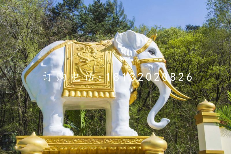 玻璃钢招财大象雕塑玻璃
