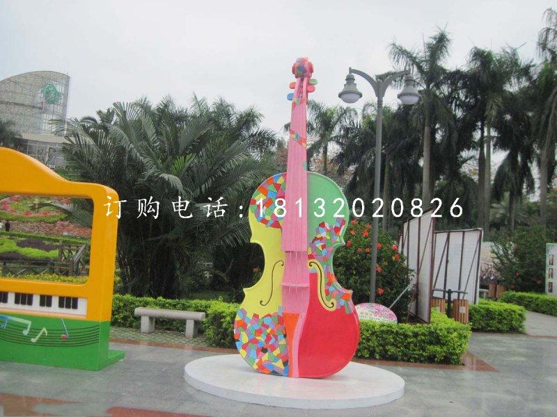 玻璃钢彩绘大提琴 公园景观雕塑