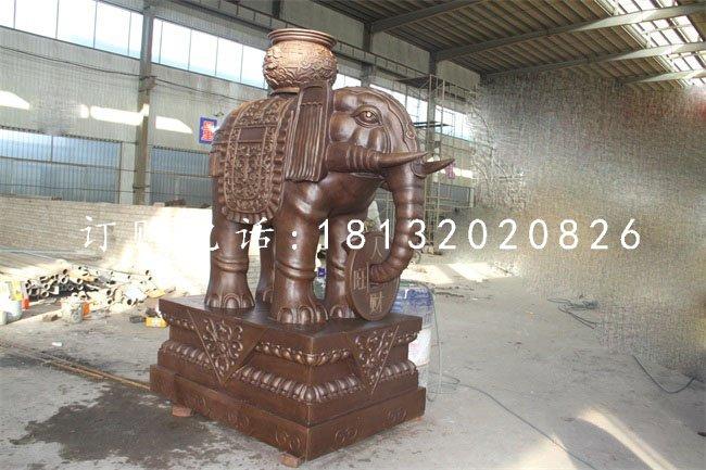 驮宝大象铜雕企业门口铜