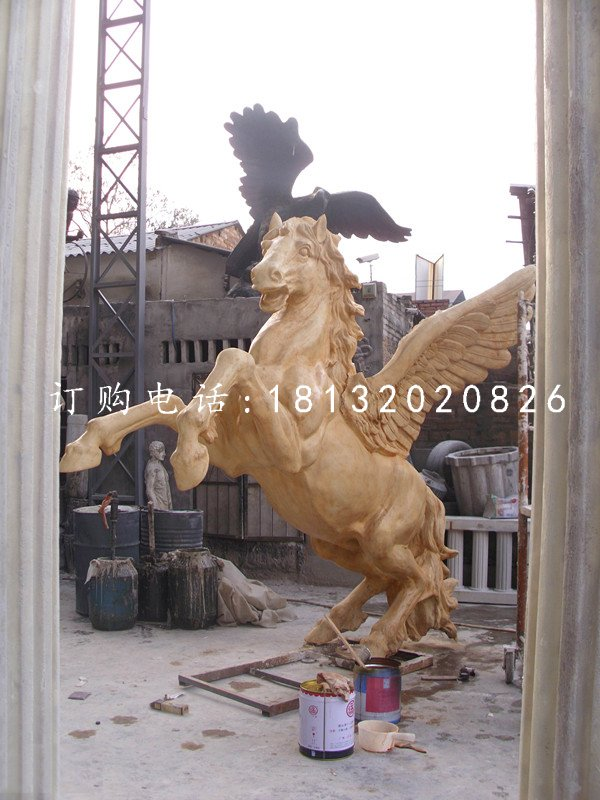 玻璃钢仿铜飞马雕塑广场
