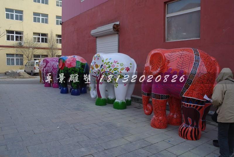 彩色大象雕塑玻璃钢彩绘雕塑