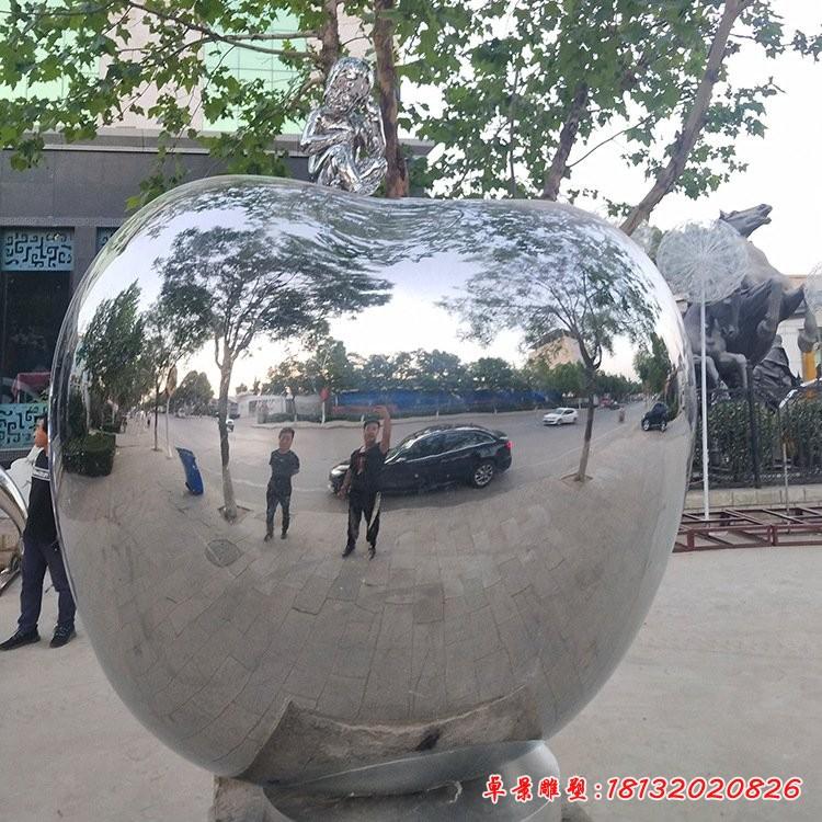 不銹鋼大型鏡面蘋果雕塑