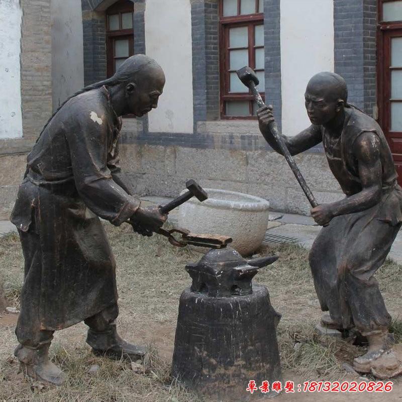 銅雕古代人物打鐵雕塑