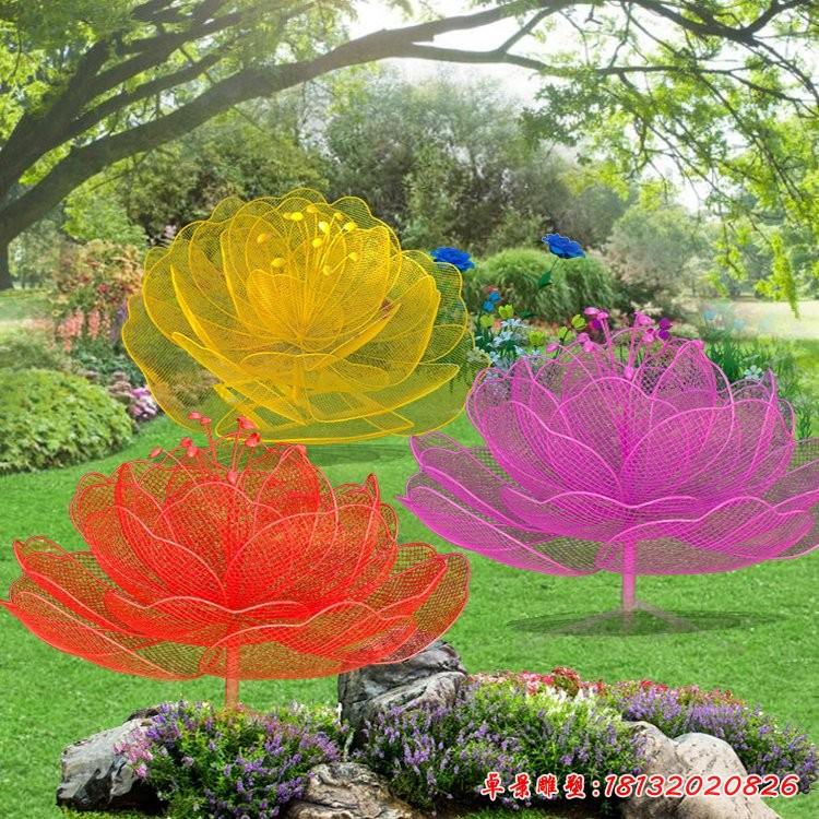 彩色不銹鋼鏤空玫瑰花雕塑