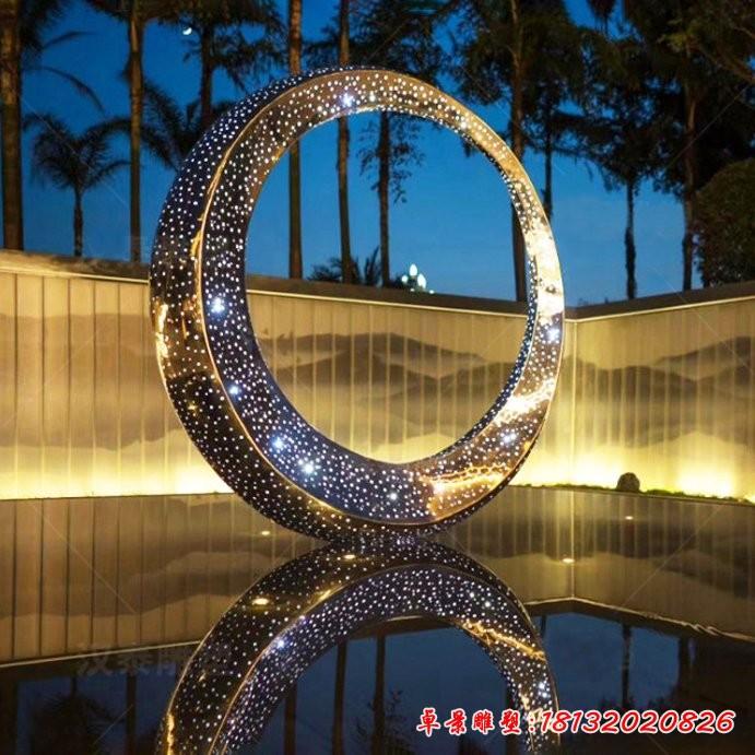 不銹鋼透光圓環雕塑